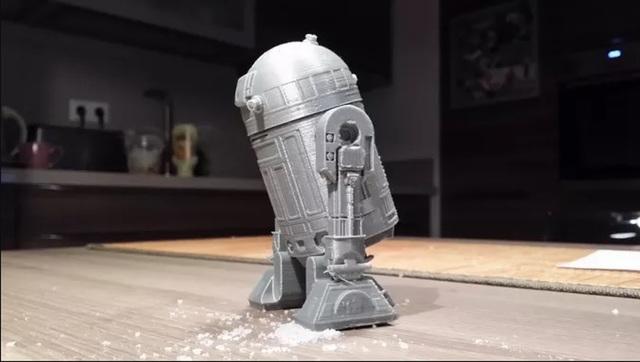 R2D2 salt shaker
