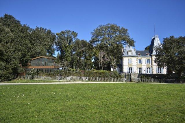 French Castle's annex building