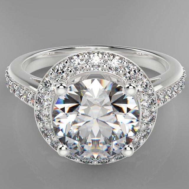 Сlassic engagement ring